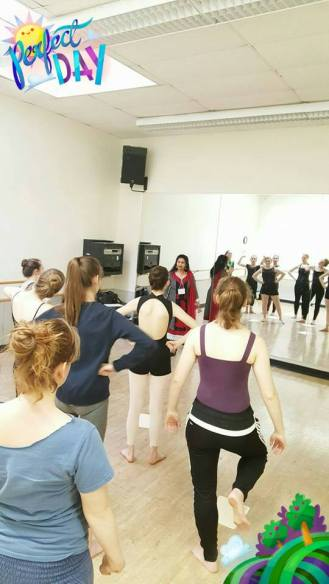 Ballet students learn about bharatanatyam